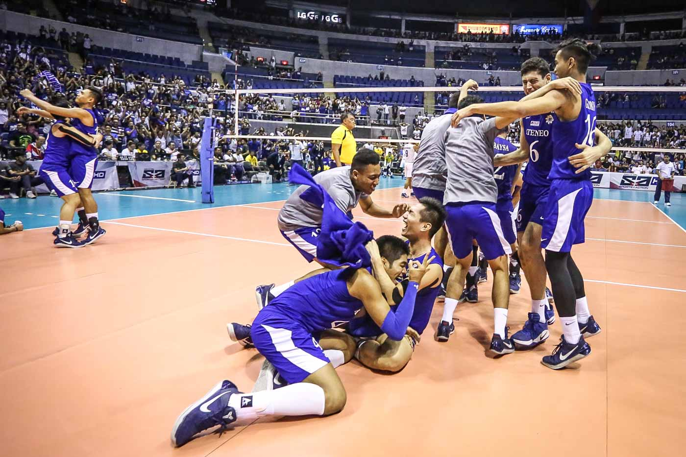 Ateneo Blue Eagles complete 3-peat of men's volleyball title