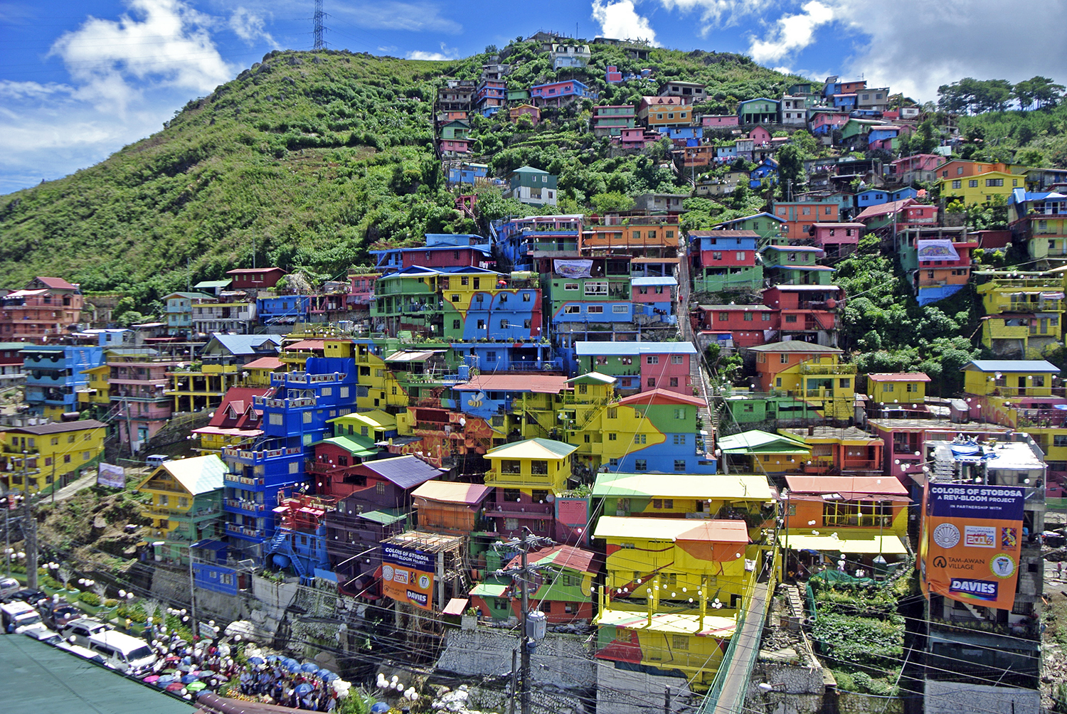 Look La Trinidad Houses Turn Into Gigantic Colorful Mural