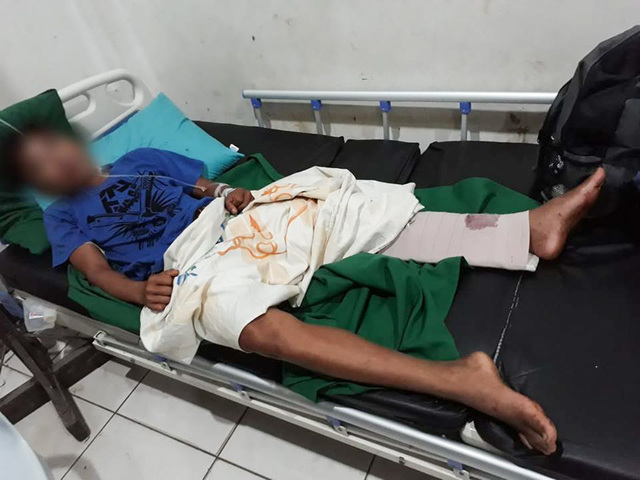 WOUNDED. A civilian wounded in the attack in Catarman, Northern Samar. Photo courtesy of DPAO, 8ID PA