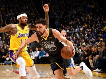 190f69884316 Klay Thompson and the Warriors avenge their Christmas Day upset loss to  Brandon