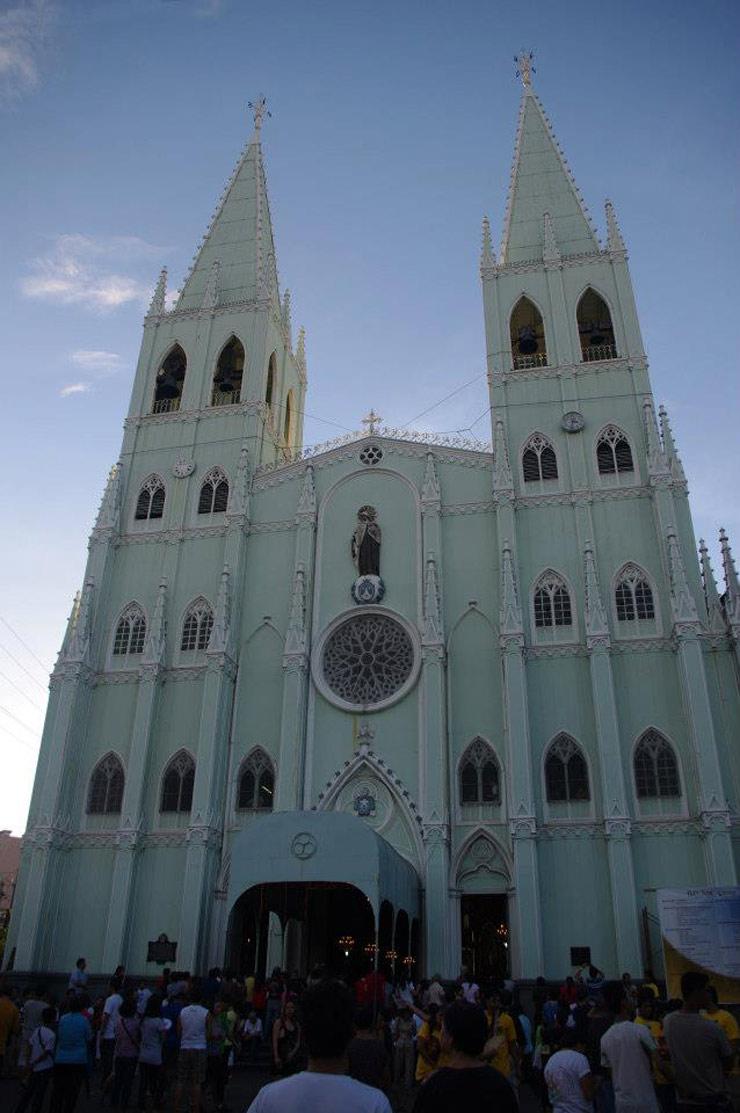 MAJESTIC TWIN SPIRES. San Sebastian Church's key feature in its façade: the towering spires. Photo by Leon Pangilinan Jr. (tadonggeniuskuno.wordpress.com)