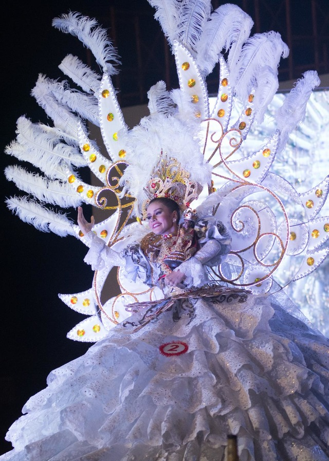 REGAL IN WHITE.  Bianca Wilhelmina Willemsen of Carcar City is the 2nd runner-up in the competition