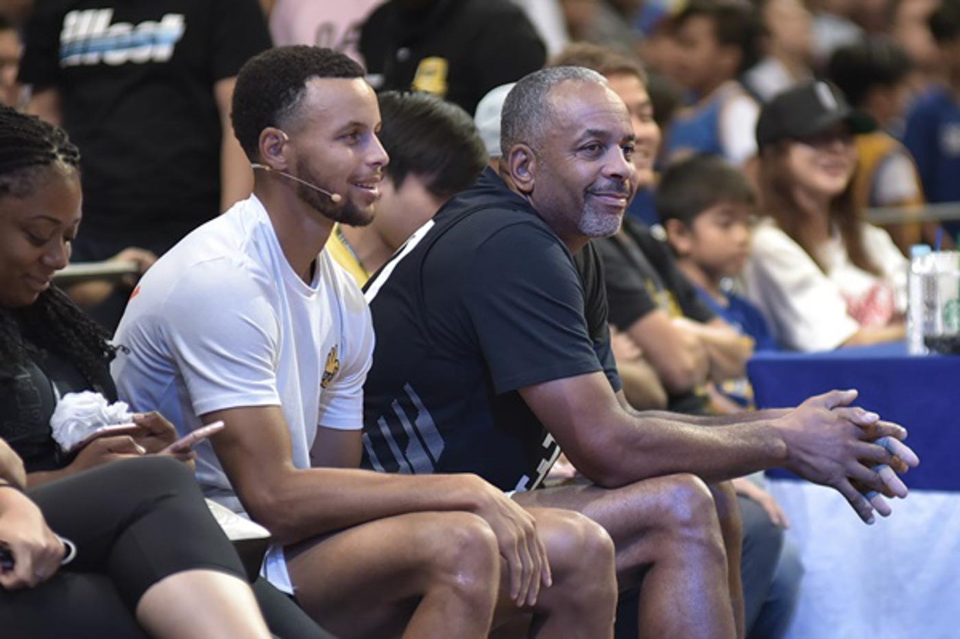 Curry父母起初不希望勇士選Curry:風格不合適,都不知道金州這個地方!-籃球圈