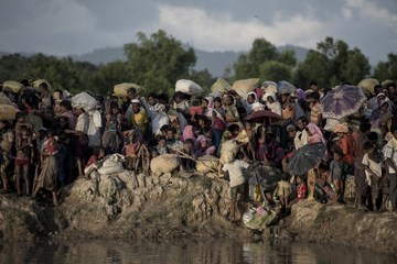 8 countries push UN to take up Myanmar Rohingya crisis