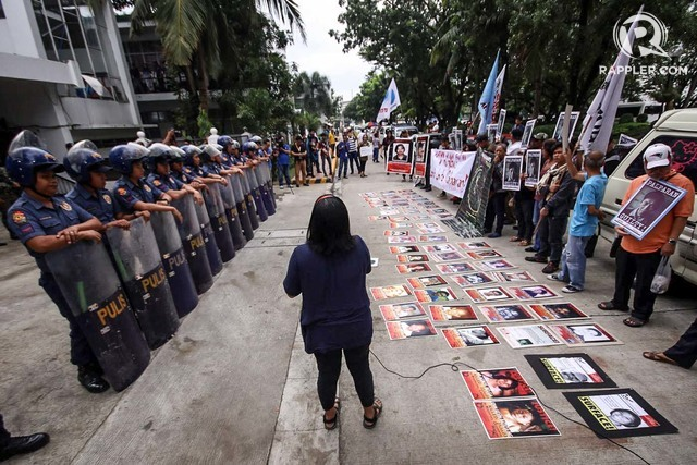 VERDICT DAY. Outside the court that declared Jovito Palparan and two others guilty of kidnapping on September 17, 2018. Photo by Darren Langit/Rappler