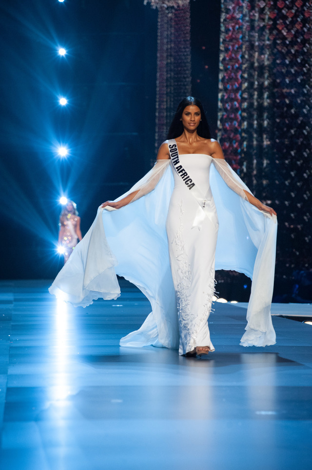 Tamaryn Green, Miss South Africa 2018 in her evening gown.