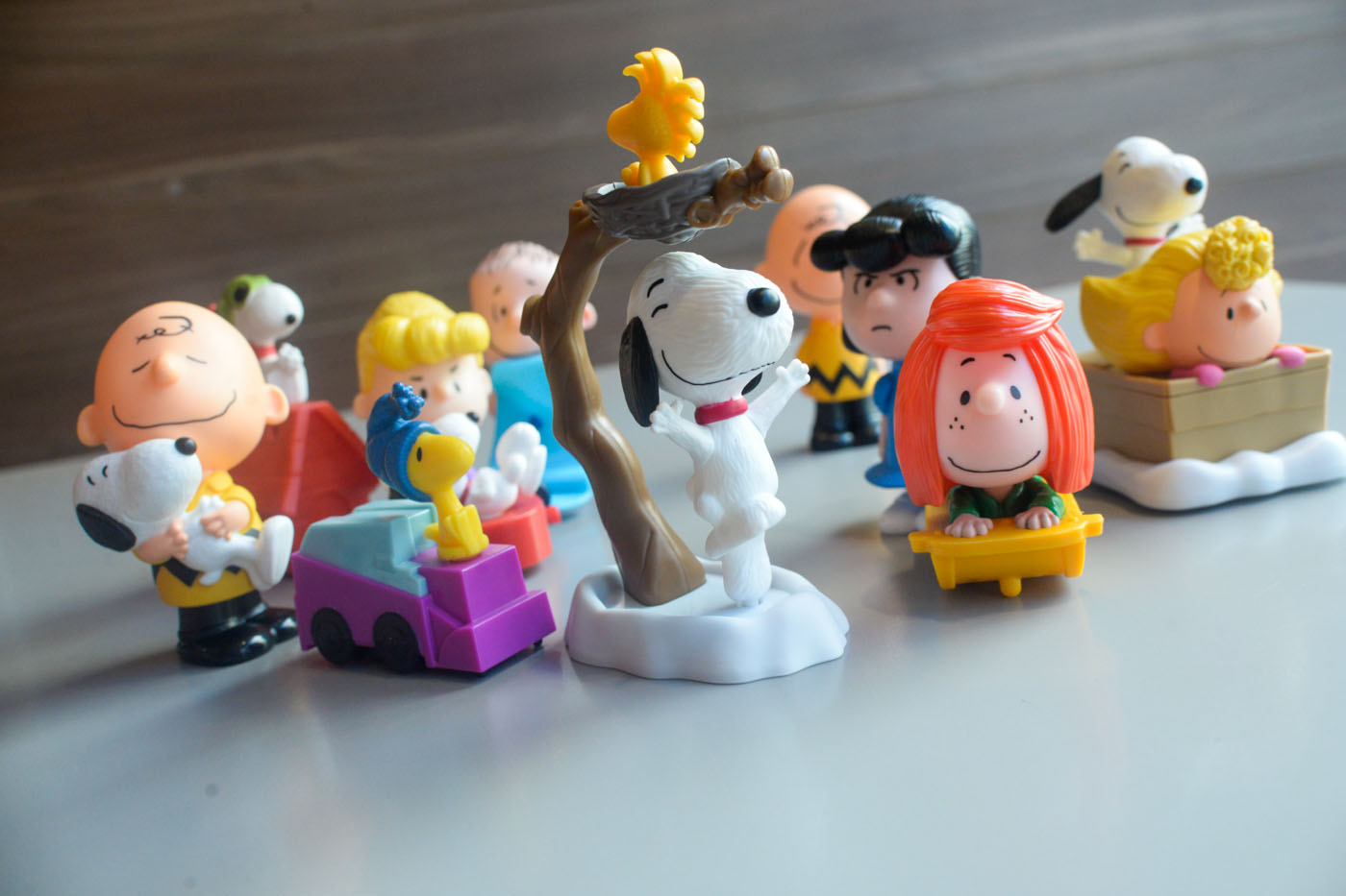 Happy Meal Toys : First look snoopy charlie brown peanuts characters are