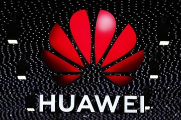 Trump says U S -China trade deal could include Huawei