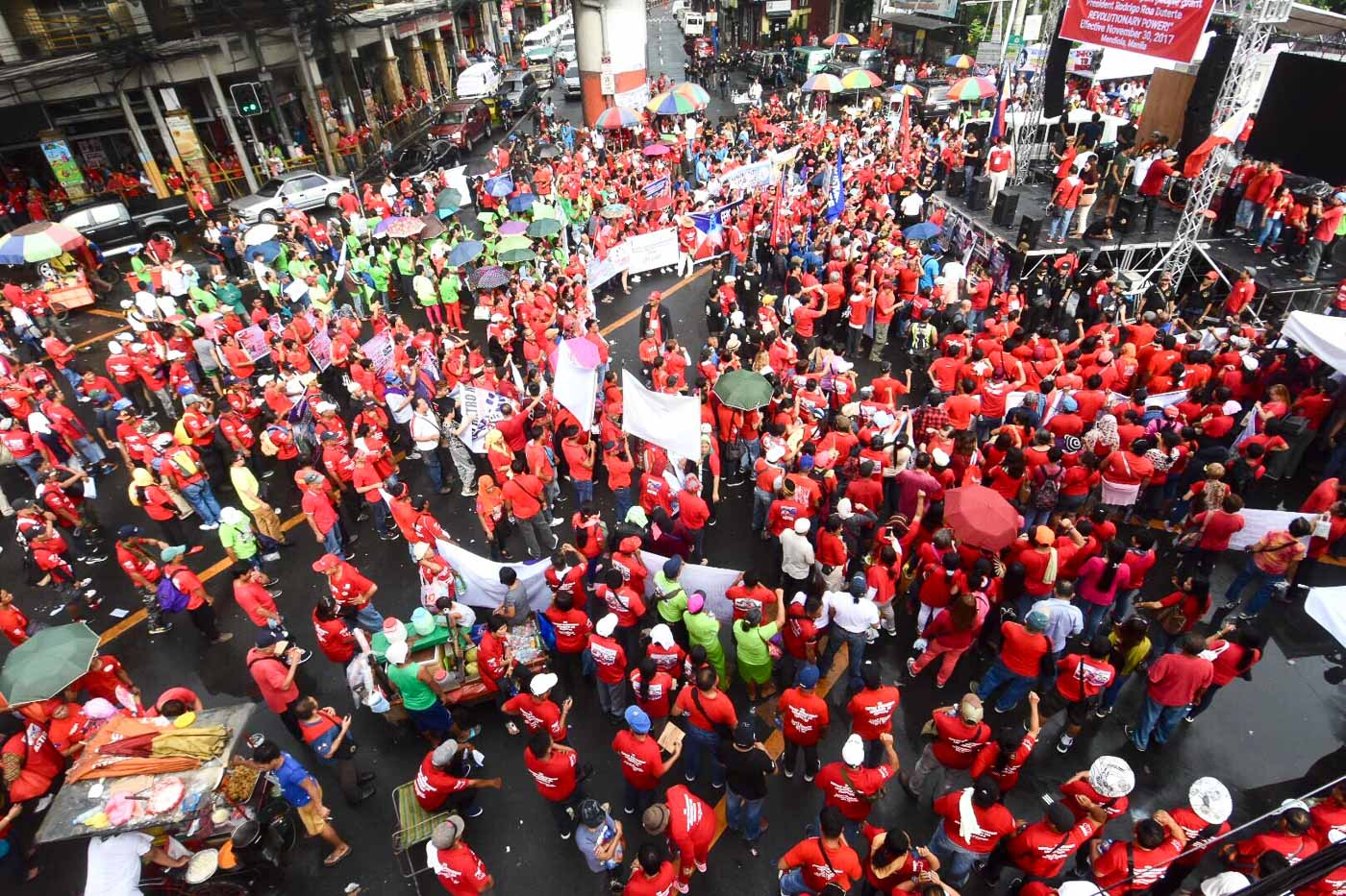 'REVGOV'. Pro-Duterte demonstrators gather in Mendiola, Manila on November 30, 2017 calling for the establishment of a revolutionary government. All photos by Angie de Silva/Rappler