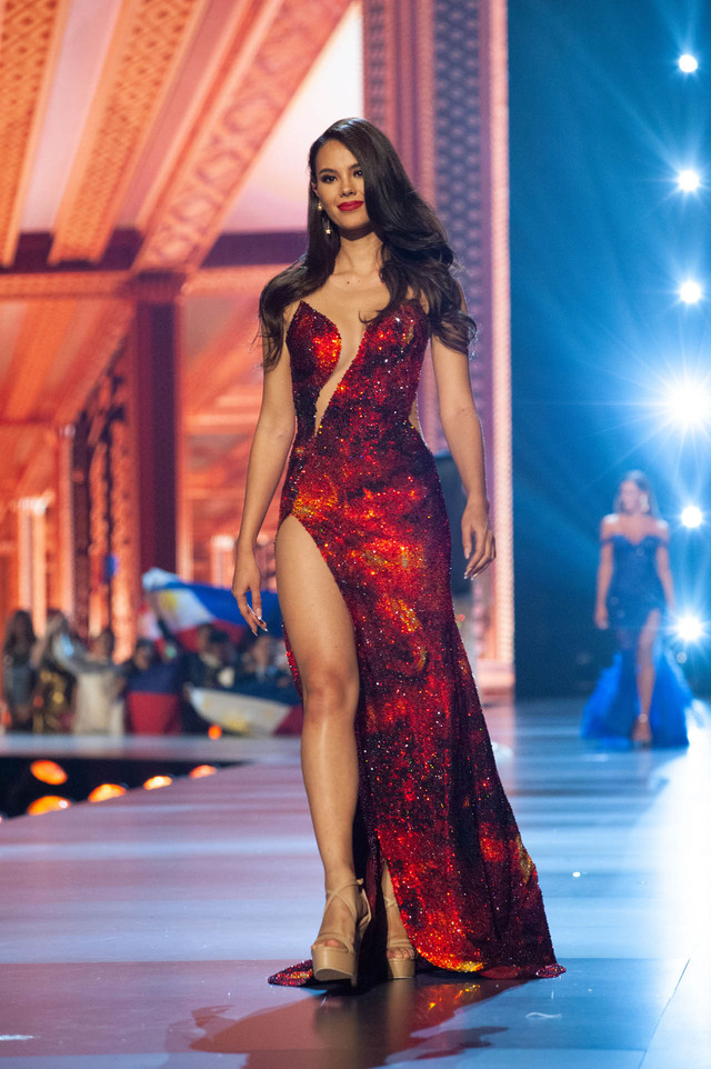 FIRE. Catriona Gray, Miss Philippines 2018 competes on stage in an evening gown of her choice as a Top 10 finalist. Photo by the Miss Universe Organization