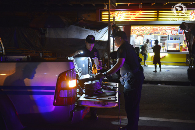 QUIAPO BLAST. Police process the scene of the blast in Quiapo, Manila. Photo by Ezra Acayan/Rappler