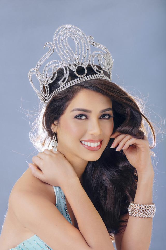 2014.  Actress and Bb. Pilipinas Universe 2014, MJ Lastimosa.