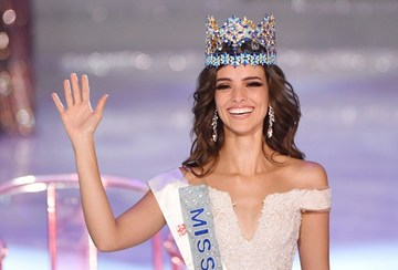 ad45a01d5f873 MISS WORLD 2018. Miss Mexico Vanessa Ponce de Leon waves after winning the  68th Miss