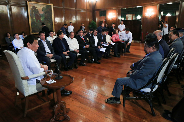 BBL PUSH. President Rodrigo Duterte meets with the officials of the Bangsamoro Transition Commission in Malacañan Palace on September 14, 2017. File photo by Albert Alcain/Presidential Photo