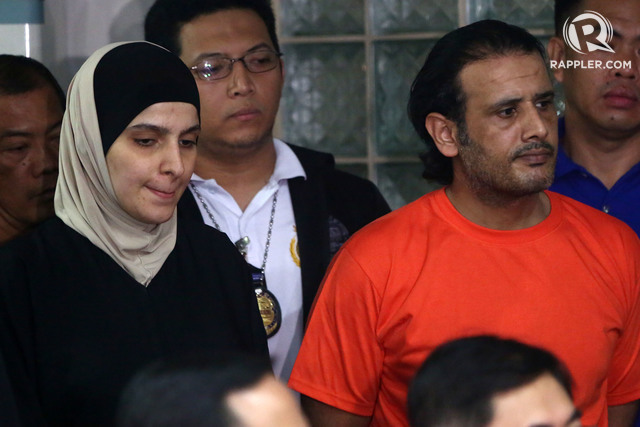 TERROR SUSPECTS. Justice Secretary Vitaliano Aguirre II and Immigration Commissioner Jaime Morente present alleged ISIS members Rahaf Zina and Husayn Al-Dhafiri during a press briefing at the National Bureau of Investigation on April 6, 2017. Photo by Ben Nabong/Rappler