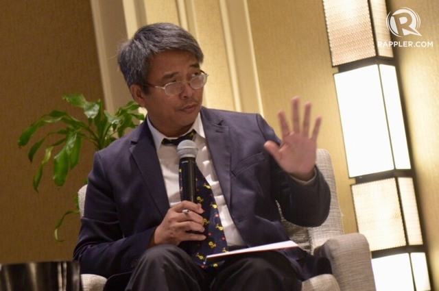 SOUTH CHINA SEA. Maritime law expert Jay Batongbacal speaks at a South China Sea forum in Makati City on November 23, 2018. Photo by LeAnne/Rappler