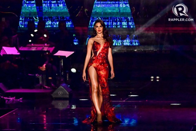 RED AS LAVA. Catriona in her famous 'Mayon' dress by Mak Tumang. Photo by Alecs Ongcal/Rappler