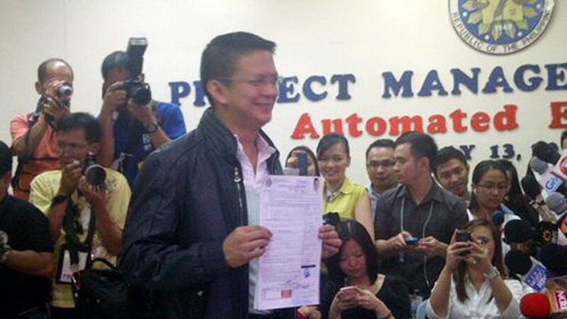Chiz Escudero files his certificate of candidacy. Photo courtesy of Judee Aguilar.