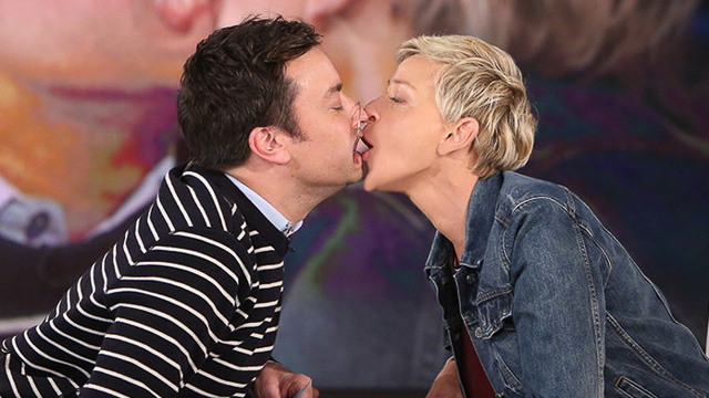 watch jimmy fallon ellen degeneres kiss after golden globes themed
