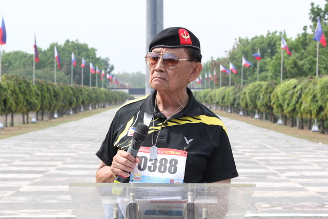REMEMBERING HEROES. Former Philippine President Fidel Ramos addresses participants of the Freedom March, the last leg of the 3-day trail that commemorates the 75th anniversary of the Bataan Death March. Photo by Jun A. Malig/Rappler