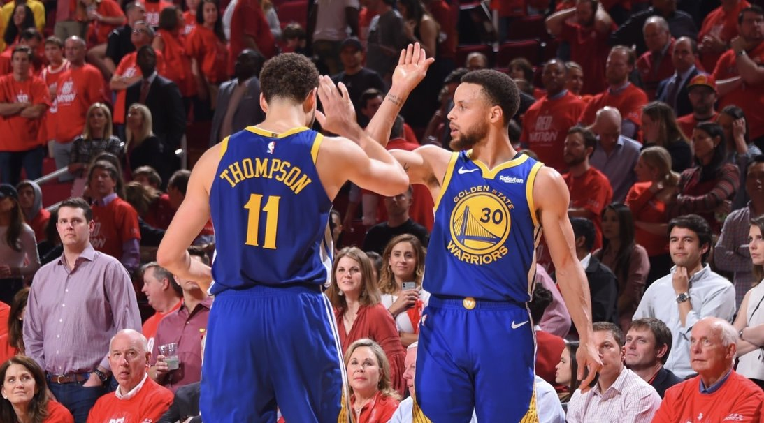 93eb0f11d707 Klay Thompson and Steph Curry wrap it up for the Warriors on the