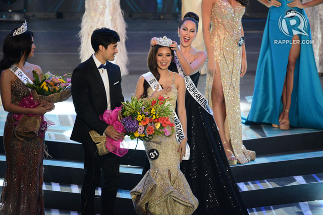 FINALLY. After 3 tries, Jehza Huelar finally gets a crown, becoming Chanel Thomas' successor. Photo by Rappler