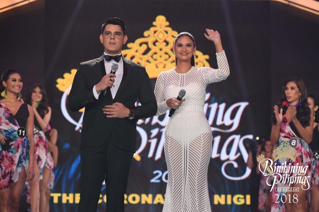 HOSTS. Miss Universe 2015 Pia Wurtzbach returns as host this time with Richard Gutierrez. Photo from Facebook/Bb Pilipinas